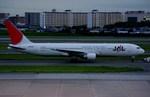 JA8943さんが、伊丹空港で撮影した日本航空 767-346の航空フォト(写真)