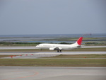 RWY18さんが、那覇空港で撮影した日本トランスオーシャン航空 737-429の航空フォト(写真)
