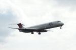 HEATHROWさんが、鹿児島空港で撮影した日本航空 MD-81 (DC-9-81)の航空フォト(写真)