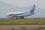 部員Mさんが、岡山空港で撮影した全日空 A320-211の航空フォト(写真)