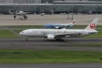 肉食獣さんが、羽田空港で撮影した日本航空 777-246の航空フォト(写真)