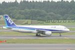 コバトンさんが、成田国際空港で撮影した全日空 A320-211の航空フォト(写真)