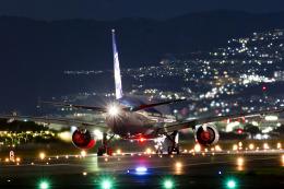 Ja8479さんが、伊丹空港で撮影した全日空 777-381の航空フォト(写真)