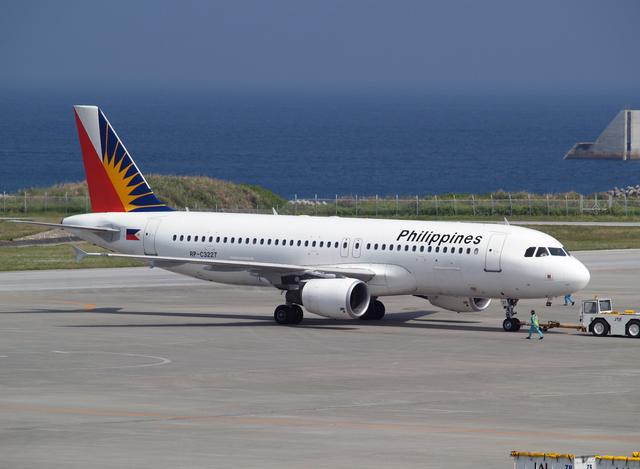 フィリピン航空 Airbus A320-200 RP-C3227 那覇空港  航空フォト | by たぁさん