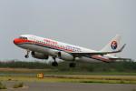 ポンタさんが、新潟空港で撮影した中国東方航空 A320-232の航空フォト(写真)