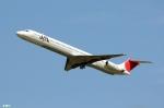 妄想竹さんが、新千歳空港で撮影した日本航空 MD-81 (DC-9-81)の航空フォト(写真)