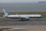 pringlesさんが、羽田空港で撮影したアメリカ空軍 VC-32A (757-2G4)の航空フォト(写真)