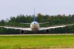 ogaさんが、小松空港で撮影した全日空 767-381の航空フォト(写真)