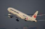 tomo@Germanyさんが、羽田空港で撮影した日本航空 777-289の航空フォト(写真)
