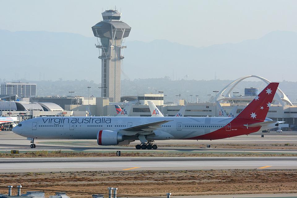 ヴァージン・オーストラリア Boeing 777-300 VH-VPF ロサンゼルス国際空港  航空フォト   by Tomo-Papaさん