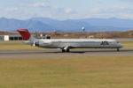 takumimiさんが、新千歳空港で撮影した日本航空 MD-81 (DC-9-81)の航空フォト(写真)