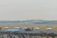 イベント画像 5枚目:2016年の航空祭、エプロン最前列は混雑