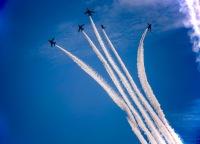イベント画像:医療従事者へ敬意表すブルーインパルスによる東京都心の展示飛行