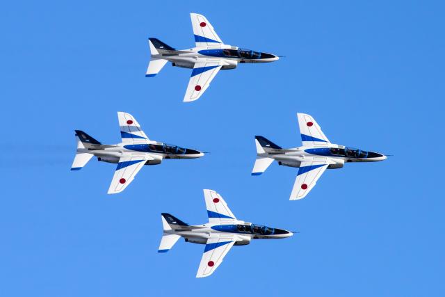 イベント画像 1枚目:松島基地で飛行するブルーインパルス (YAMMARさん撮影)