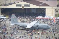 ニュース画像 4枚目:横田基地のC-130も展示