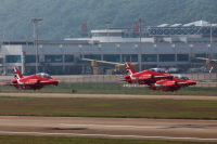ニュース画像:珠海エアショー、パブリックデーが開幕 レッドアローズなど4飛行隊が飛行