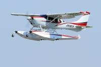 ニュース画像 2枚目:地上展示するCessna T206H Amphibian 「JA101Y」