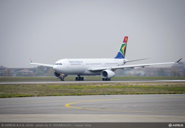 ニュース画像 1枚目:南アフリカ航空に引き渡しされた初のA330-300