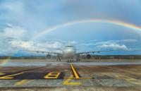 ニュース画像 1枚目:カタール航空のドーハ/クラビ線初便を歓迎
