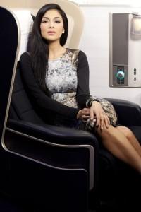 ニュース画像 1枚目:VIPチャーター便に搭乗するニコール・シャージンガーさん