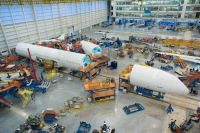ニュース画像:ボーイング、ノースチャールストン工場で787-10初号機の最終組立に着手
