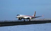ニュース画像:三菱航空機、MRJ飛行試験2号機「JA22MJ」が到着 アメリカで3機体制