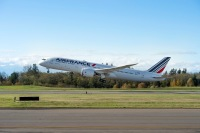 ニュース画像:エールフランス航空、787で定期便運航を開始 アルファジェットとも飛行