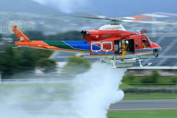 長野県、2016年の防災ヘリコプタ...