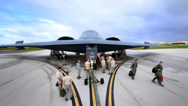 アメリカ空軍、B-2のグアム一時...