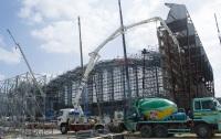 ニュース画像:アメリカ空軍嘉手納基地、海軍用新ハンガーを建設中