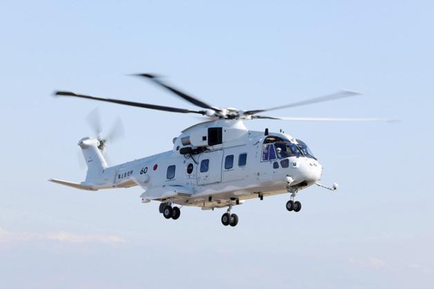 ニュース画像 1枚目:第51航空隊に納入されたMCH-101掃海・輸送ヘリコプター「8660」