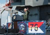 ニュース画像 1枚目:CVN-76を訪問したペンス副大統領