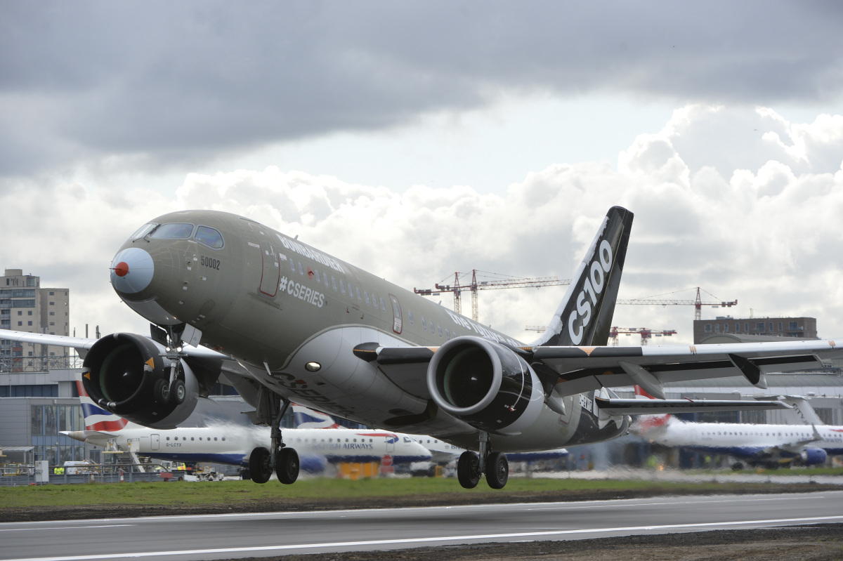 ニュース画像 1枚目:ロンドン・シティ空港でのCS100