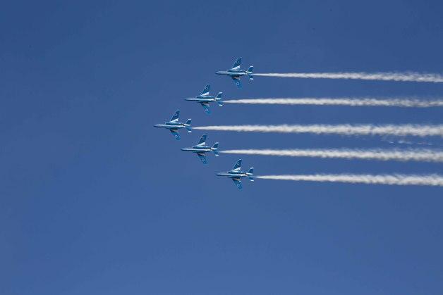 ニュース画像 1枚目:ブルーインパルス、晴天での飛行に