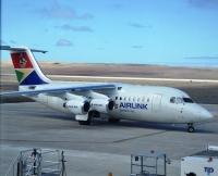 ニュース画像:セントヘレナ空港、エアリンクのBAe 146が初着陸 5月3日