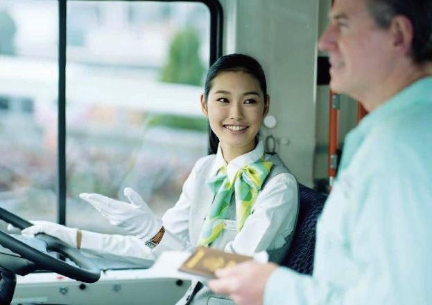 ニュース画像 1枚目:羽田空港ターミナル間無料連絡バスは女性運転士による専任スタッフ化される