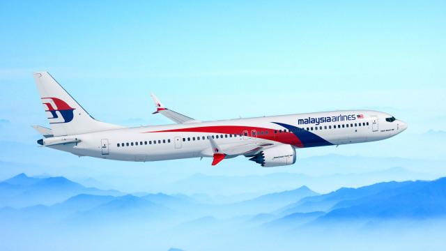 ニュース画像 1枚目:マレーシア航空塗装の737 MAX 10