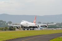 ニュース画像 2枚目:カンタス航空747-400初号機 「VH-OJA」が最後のランディング