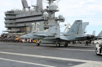 ニュース画像 1枚目:F/A-18EスーパーホーネットがCVN-76から発艦