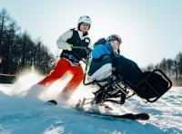 ニュース画像:JAL、クラブツーリズムなど3社で「車いすで、雪あそび。」ツアーを企画