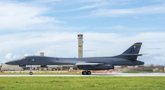 ニュース画像 1枚目:B-1Bランサー、アンダーセン空軍基地