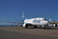 ニュース画像:アラスカ航空、737-700貨物改修機の運航を開始 737-400コンビは退役へ