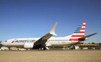 ニュース画像:ボーイング、アメリカン航空に初の737 MAX「N324RA」を納入