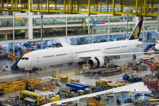 ニュース画像 1枚目:最終組立ラインのシンガポール航空 787-10