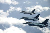 ニュース画像:築城基地での訓練移転、F-16CとF-2Aが機戦闘訓練などを演練