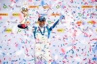 ニュース画像:室屋選手、インディアナポリスで優勝 ワールドチャンピオンに輝く