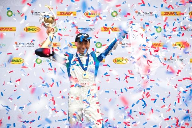 ニュース画像 1枚目:ワールドチャンピオンに輝いた室屋選手