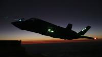 ニュース画像:VMGR-152、F-35BやF/A-18Cと夜間給油訓練を実施