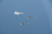 ニュース画像:空自F-2とF-15、アメリカ海軍の空母ニミッツやF/A-18と共同訓練を実施