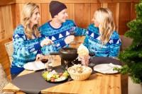 ニュース画像:KLMオランダ航空、同社初のクリスマス限定セーターを販売開始